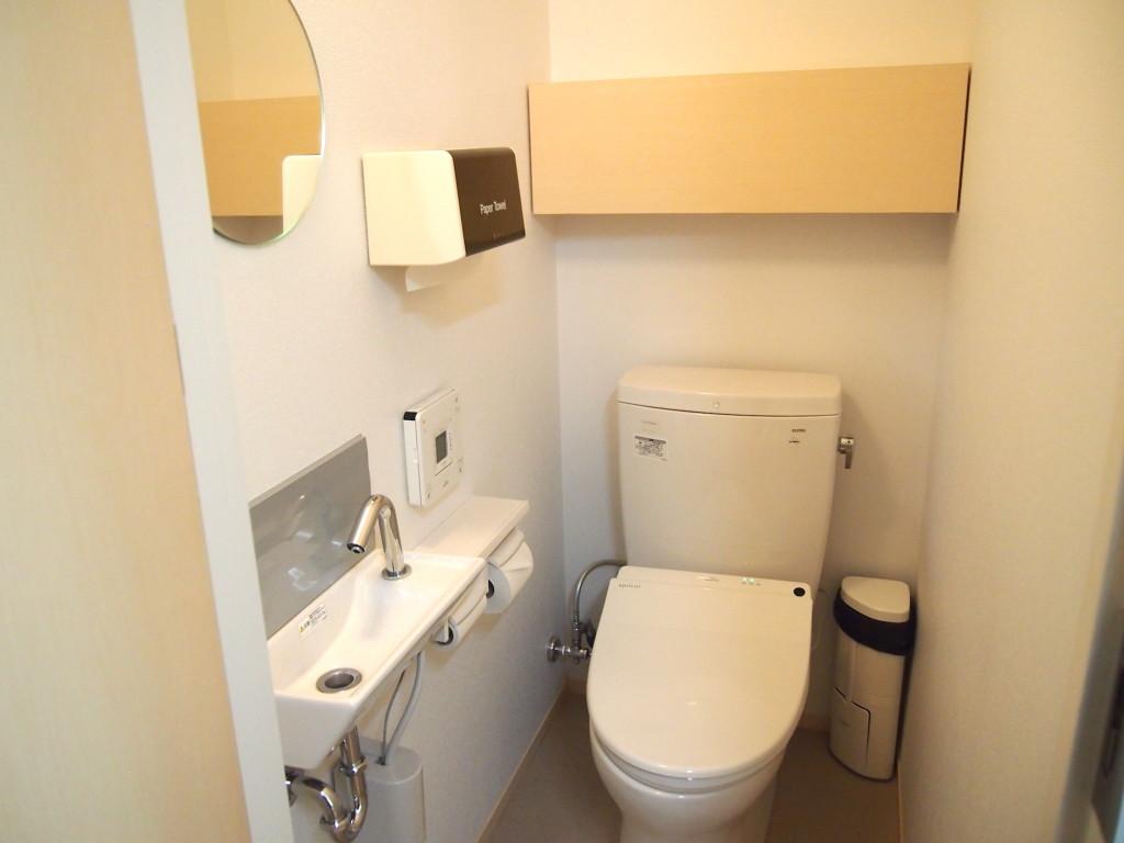 新しくできたばかりのトイレは快適