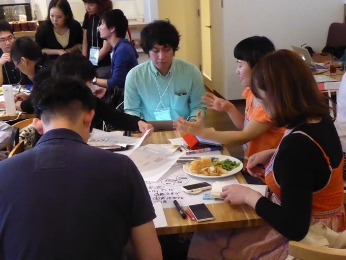 写真中央はトーマツベンチャーサポートの庄司敬史さん。得意分野はビジネスモデルや事業計画