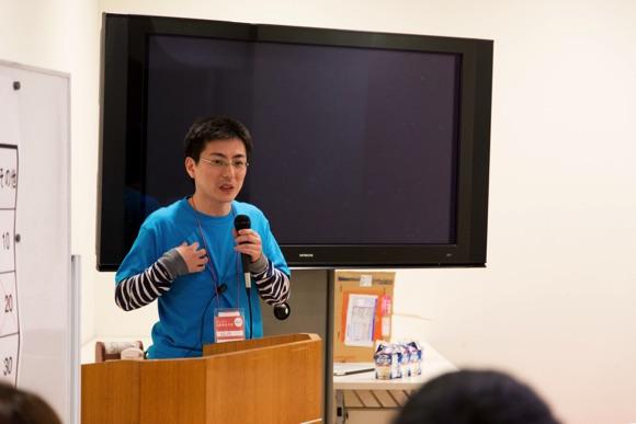 閉会式で話す松井健太郎