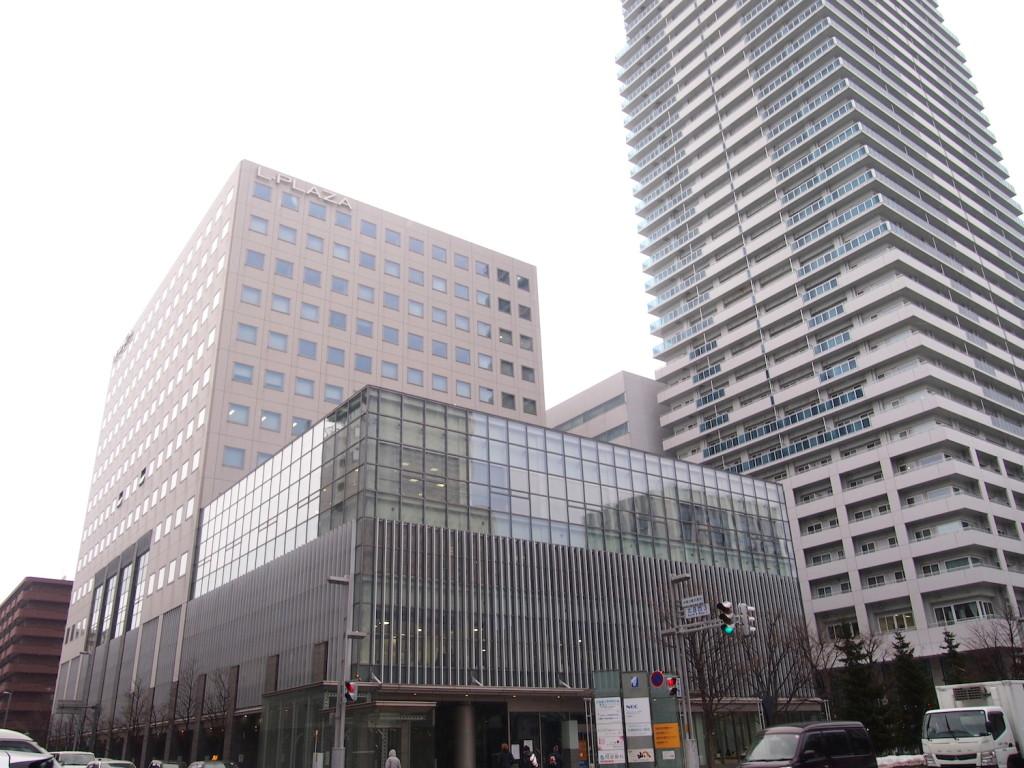 エルプラザ札幌駅北口直結のバスターミナル前