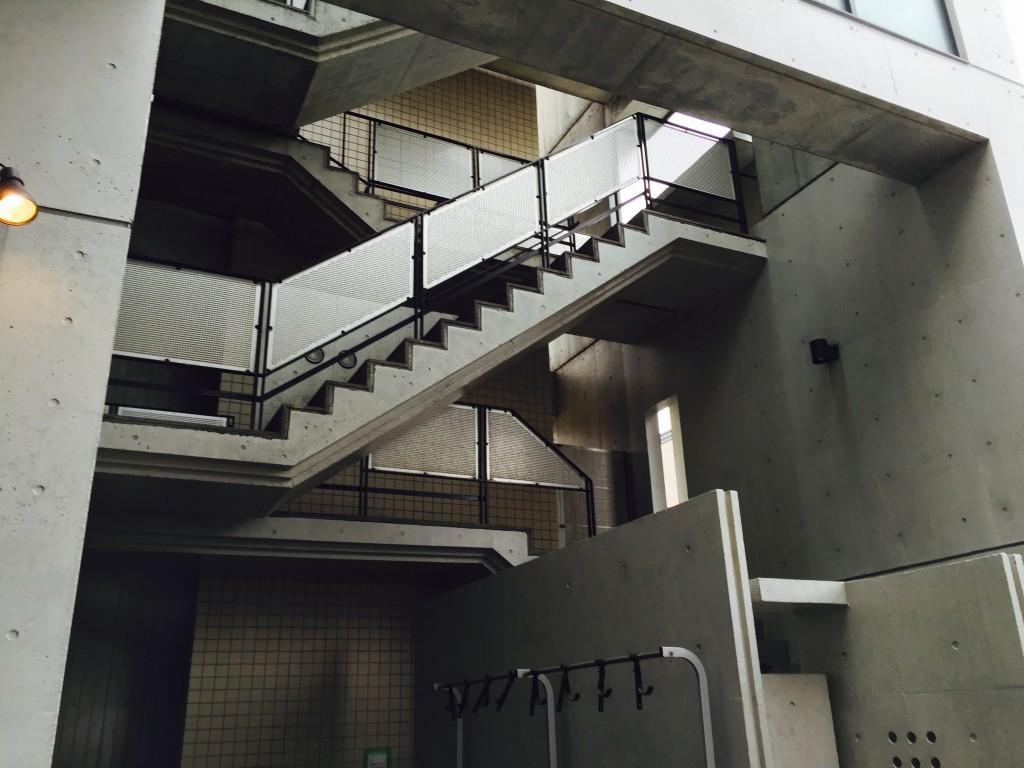 イデアシーディー 階段