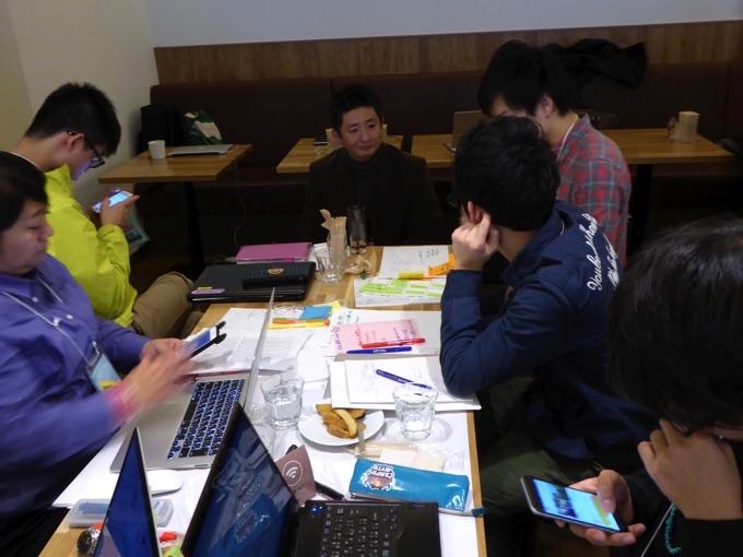 写真中央は北海道ベンチャーキャピタル株式会社代表取締役三浦 淳一さん