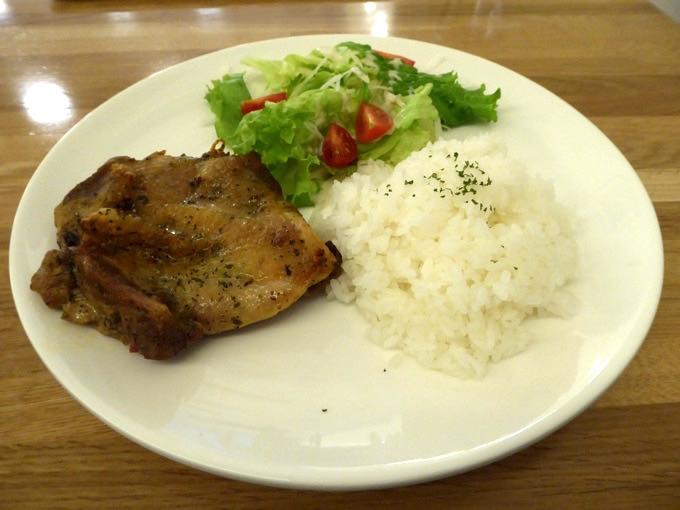 2日目の夕食。チキン