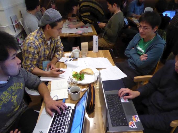 写真右から二番目は株式会社インフィニットループ代表取締役、松井健太郎さん