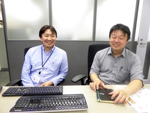 笑顔で説明してくださる株式会社テクノフェイス代表取締役の石田崇さん(写真右)、ソリューションテクノロジ事業部事業部長代理の小林隆行さん(写真左)