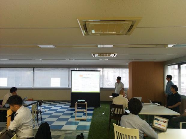 株式会社ウフルの札幌オフィスの社内で2017年7月18日に開催されたSalesforceのユーザ会主催の「Salesforceステップアップ勉強会」の風景