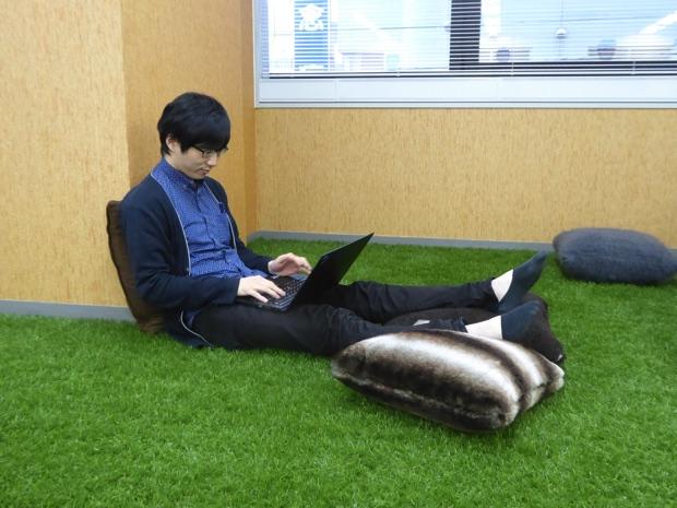 オフィスに芝生がある広々とした株式会社ウフルの札幌オフィスに行ってみた!