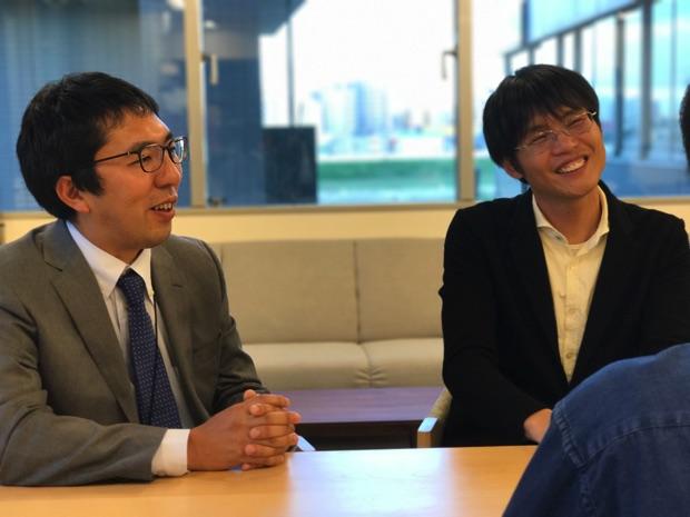 (写真左)ビットスター代表取締役の前田章博さん (写真右)さくらインターネットの代表取締役社長兼最高経営責任者の田中邦裕さん
