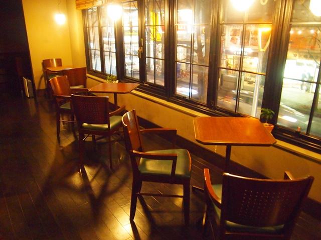 三番街珈琲店 テーブル席