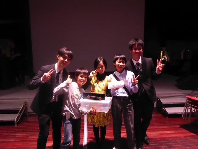 KidsVentureチーム+サポートスタッフで記念撮影