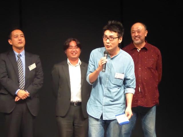 発表賞を受賞したカンボリスット ドゥアンパチャさんは「貴重な経験と賞をいただいて嬉しく思います。今晩もカレーを食べたいと思います」と語り、会場を沸かせました