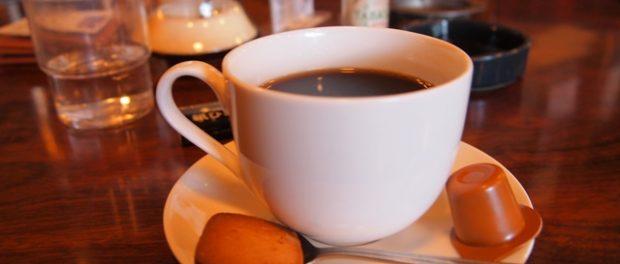 紙ひこうき コーヒー
