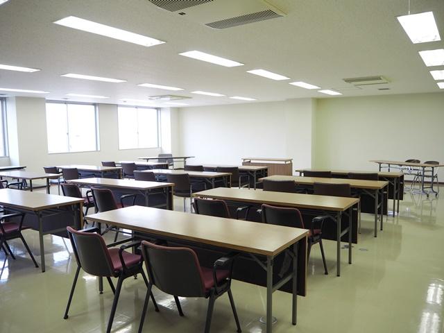 美唄ハイテクセンター内会議室