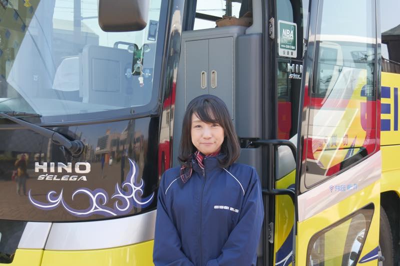 釧路衛星バスのバスガイド原田香苗さん