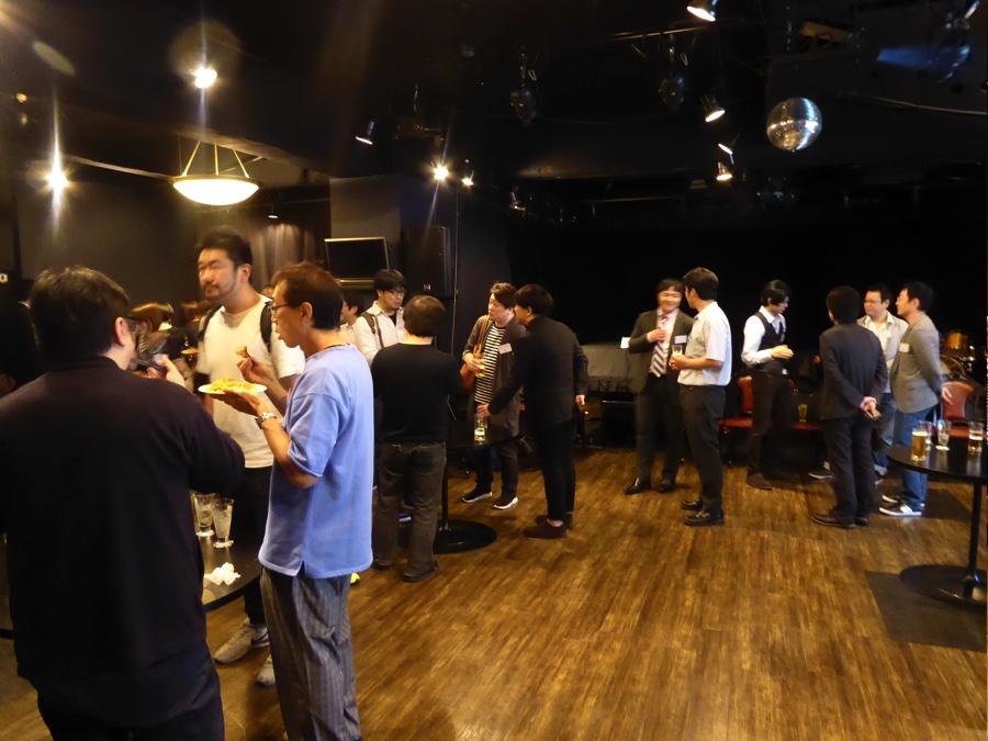 N2-meeting交流会、歓談する参加者の方々