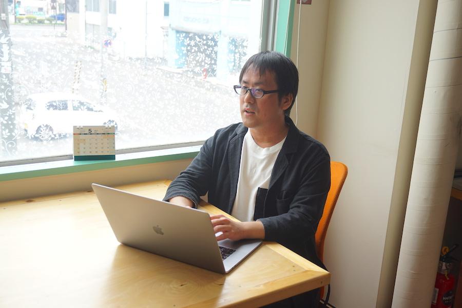 フリーランス システムエンジニアの平崎葵氏