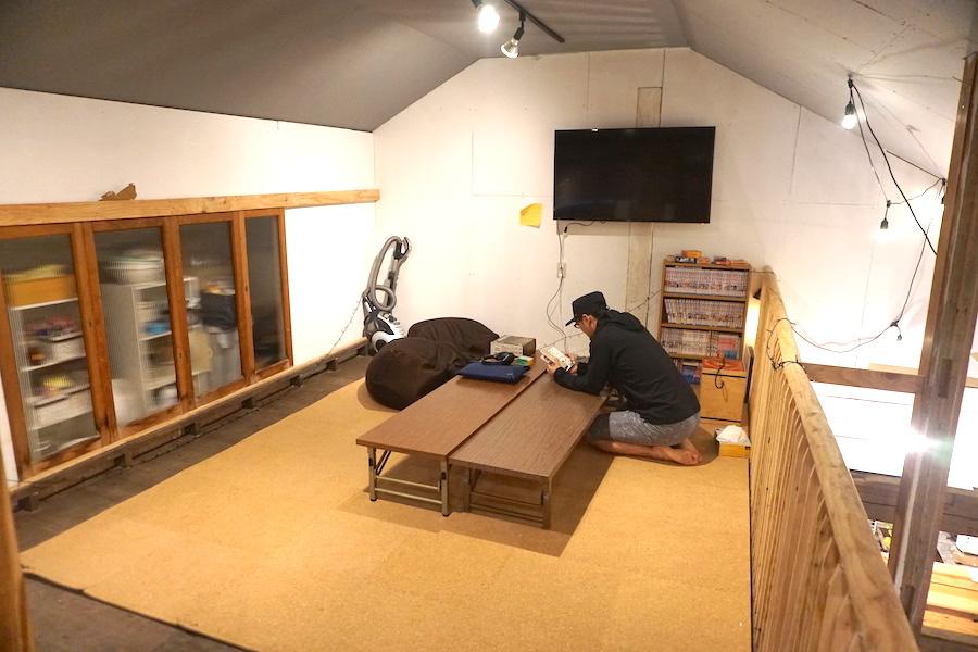 津別町のコワーキングスペース「JIMBA(ジンバ)」に入っているカフェ「幾島珈琲研究所」のレンタルスペース