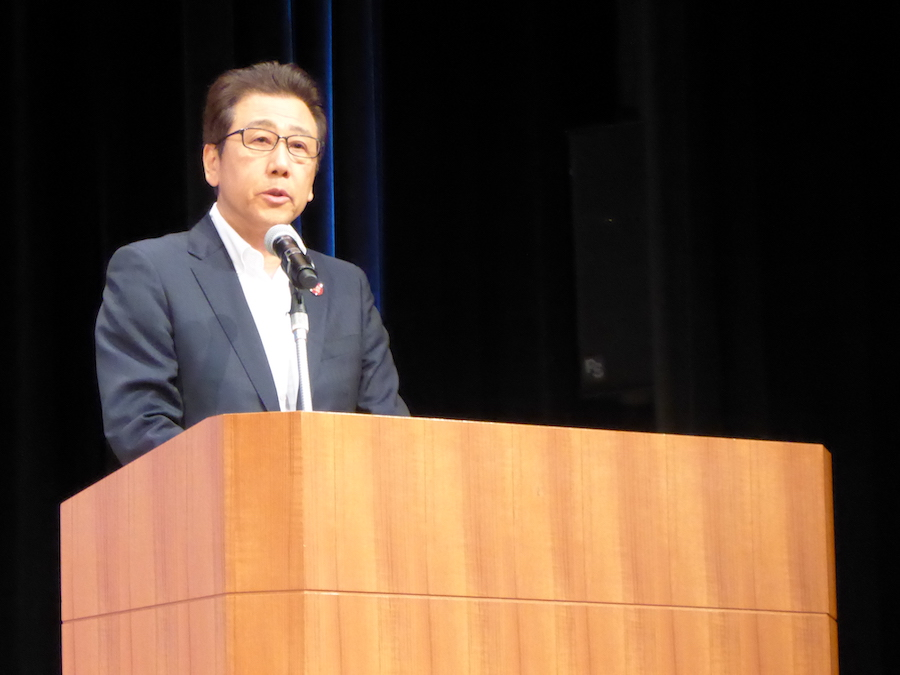 STARTUP CITY SAPPOROについて発表する秋元克広札幌市長