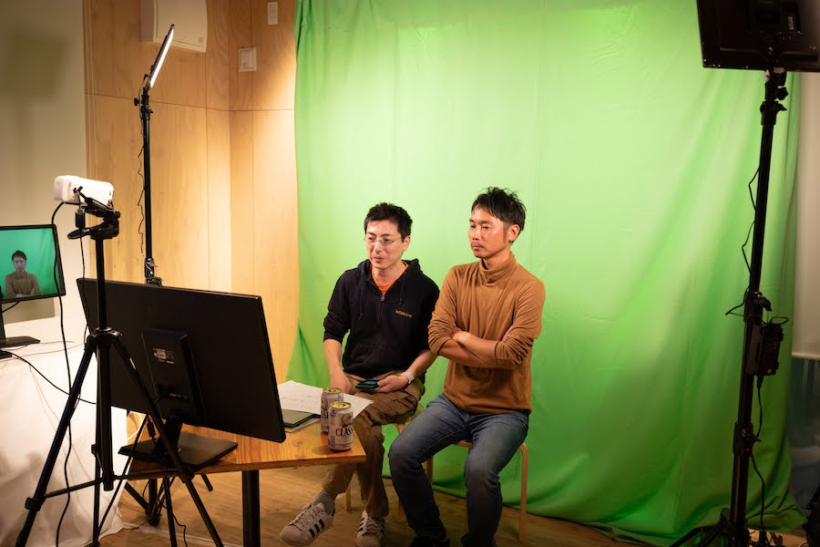 バーチャルトークスタジオ。松井さんと吉田さん