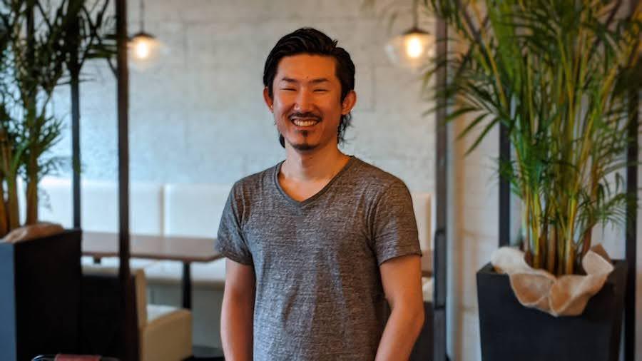 株式会社esエンターテイメント代表取締役、鈴木慎也さん